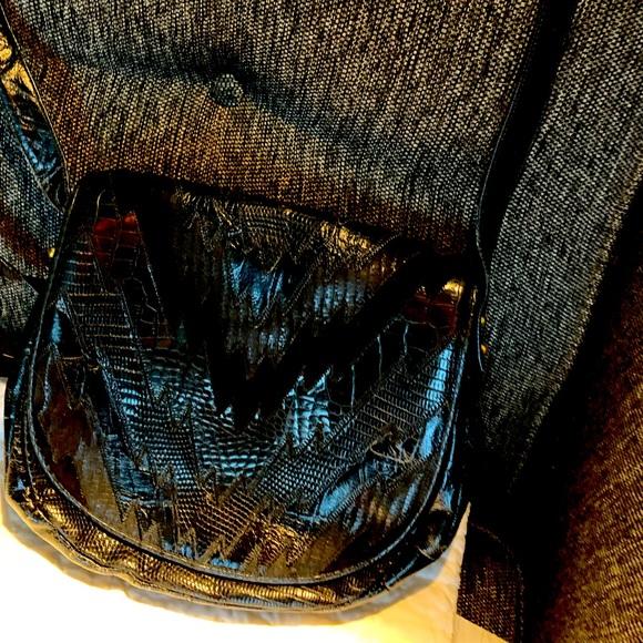 Black Sharif shoulder bag.